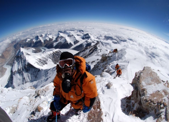 Climbers nearing summit of Mt Everest