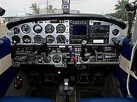 VH-FTH Cockpit