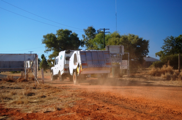 The Landy + T-Van, Outback Australia